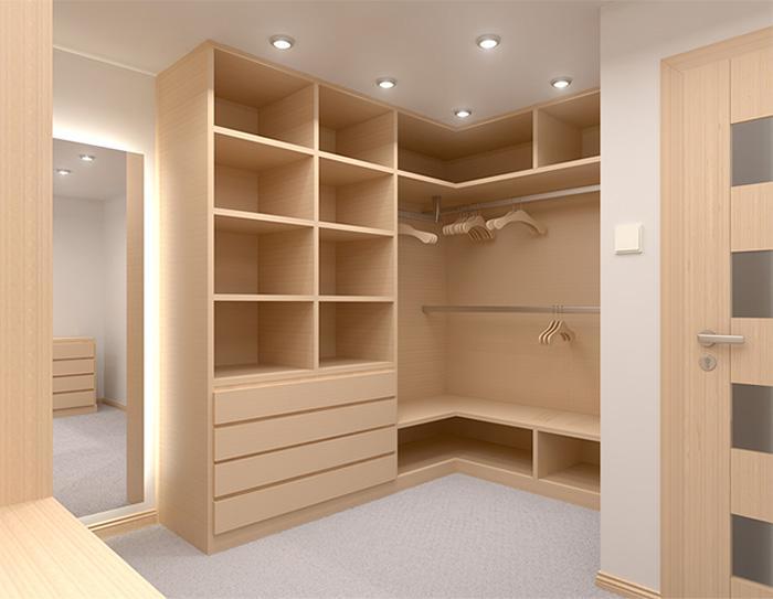 Duży pokój przygotowany podgarderobę